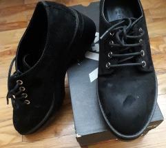 Bershka cipele 37