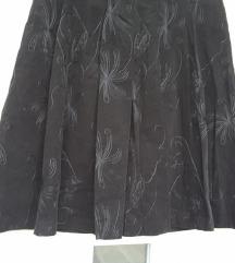 Crna, vezena suknja, M