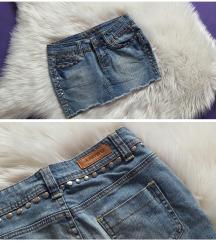 Amisu traper suknja sa zakovicama