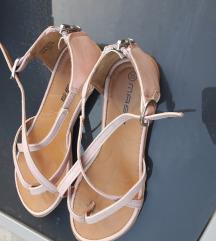 Roze kožne sandale