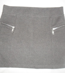 siva mini suknja Takko vel. 158-164 (odrasli XS)