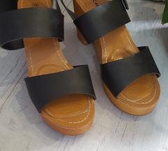 Ženske sandale s debelom petom