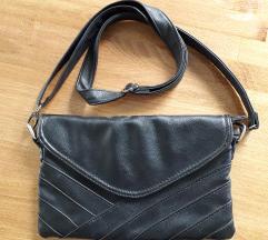 Reserved crna kožna torbica