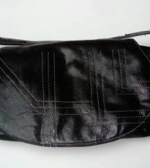 Crna mala torbica novo