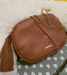 Bershka smeđa torba
