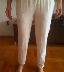 Bijele lanene hlače