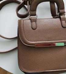 Smeđa mala torbica