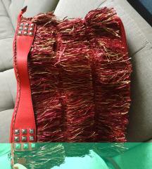 Crvena torba s resicama