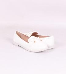 Bijele cipele mokasinke udobne poslovne