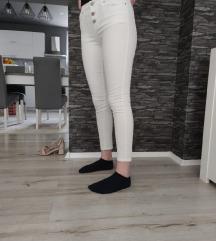 Bijele uske hlače