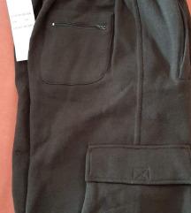 NOVO, muške hlače, 100,00kn