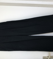Ženske hlače šireg kroja