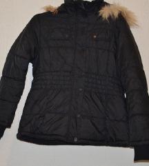Crna kratka jakna