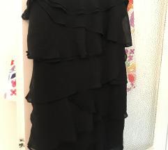 Crna haljinica na bretele s volanima
