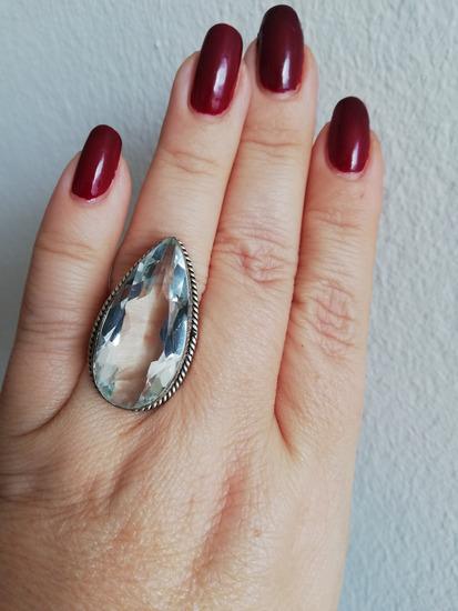 Srebrni prsten s gorskim kristalom