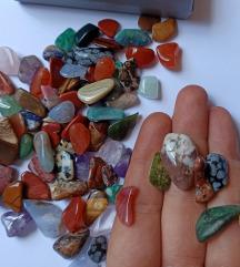 %LOT poludragog kamenja sa kutijicom