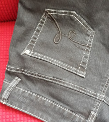crne trapez jeans hlače