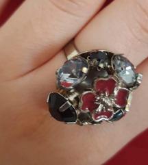 Cvijetni prsten