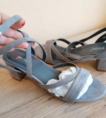 Sive sandale na blok petu