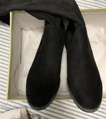 Visoke crne čizme 38