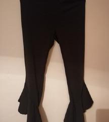 Crne hlače, široke nogavice
