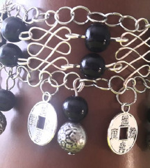 Unikatna narukvica od žice, perli i novčića