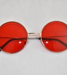 Crvene okrugle naočale