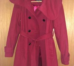 Amisu crveni kaput