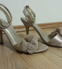 Prekrasne sandale br.37