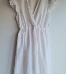 Bijela izvezena haljina