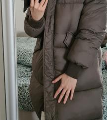 Zara pernata jakna s etiketom nova
