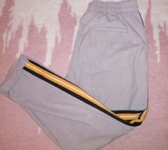 Bershka hlače sa crtom