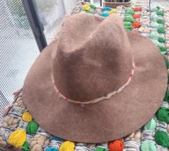 Zara, šešir