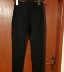 Pamučne hlače - mrkva kroj