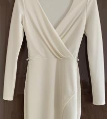 Uska bijela haljina