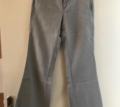 Sive hlače xs samo 20 kn