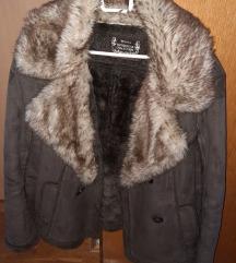 Zimska jakna s umjetnim krznom