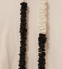 Crno-bijela duga ogrlica