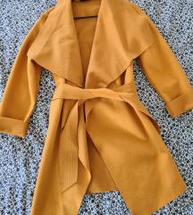 Jesenski žuti kaputić mantil