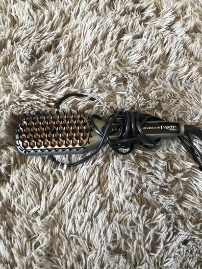 Remington keratin četka za kosu pegla