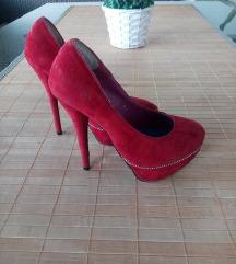 Crvene štikle+gratis cipele