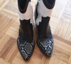 Stradivarius kaubojske cizme
