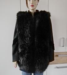Divan crni kaput B.LEBEK +krzneni prsluk br.38-40