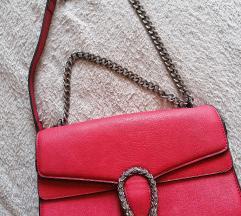 Tamno crvena torbica