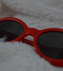 Retro crvene sunčane naočale