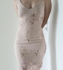 Uska svečana haljina