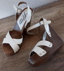 Bijele kožne sandale na platformu