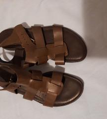 Smeđe kožne sandale