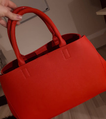 Crvena torba s *pt
