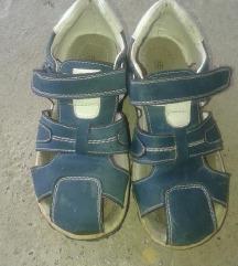 SNIŽENO sandale br 32 za dečka